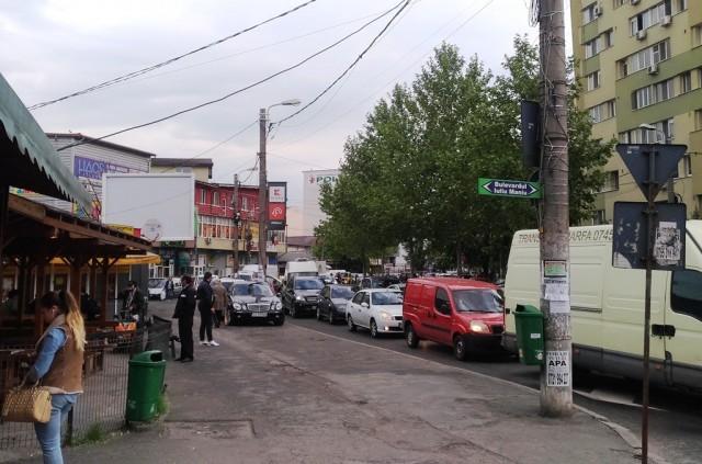 Inainte de plecarea de la Piata Gorjului, bulevardul Dezrobirii